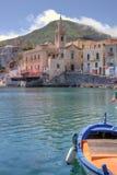 Vista parcial del pequeño puerto de Lipari Imagen de archivo