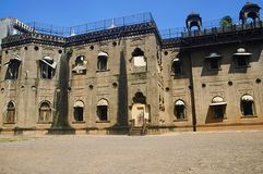 A vista parcial do palácio velho converteu dentro a uma escola agora, Kolhapur, Maharashtra imagens de stock