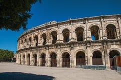 Vista parziale dell'esterno dell'arena di Nimes immagini stock libere da diritti
