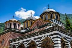 Vista parziale della chiesa nel monastero famoso di Rila fotografie stock