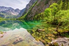 Vista per il lago smal della montagna in alpi tedesche Immagini Stock Libere da Diritti