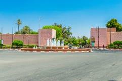 Vista per la fontana alla rotonda a Placa Bab Jdid immagini stock