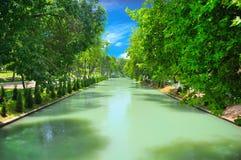 Vista piacevole del fiume fangoso Fotografia Stock
