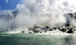 Vista piacevole di Niagara Falls fotografie stock
