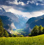 Vista piovosa drammatica del villaggio di Lauterbrunnen Fotografia Stock Libera da Diritti