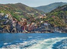 Vista pittoresca dal mare su Rio Maggiore nell'area di Cinque Terre Fotografia Stock Libera da Diritti