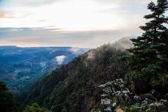 Vista pittoresca delle colline verdi spagnole Fotografia Stock
