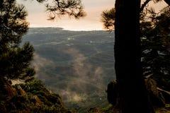 Vista pittoresca delle colline verdi spagnole Immagini Stock
