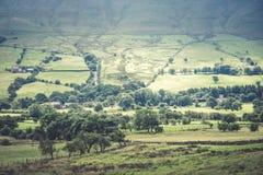 Vista pittoresca sulle colline vicino a Edale, parco nazionale di punta del distretto, Derbyshire, Inghilterra, Regno Unito Fotografia Stock
