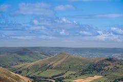 Vista pittoresca sulle colline vicino a Edale, parco nazionale di punta del distretto, Derbyshire, Inghilterra, Regno Unito Immagine Stock