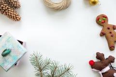 Vista plana de la decoración de la Navidad, copyspace en el centro Foto de archivo libre de regalías