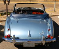 Vista posterior de Austin Healey azul antiguo clásico imagen de archivo libre de regalías