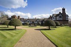 Vista posterior de la casa de Ascott en Buckinghamshire Inglaterra Foto de archivo libre de regalías