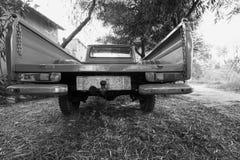 Vista posterior del coche viejo 1300 de la recogida de Datsun foto de archivo libre de regalías