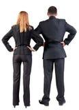Vista posteriore dello sguardo del gruppo di affari nella distanza Fotografia Stock Libera da Diritti