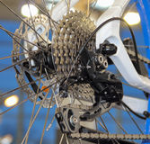 A vista próxima de uma gaveta e de um câmbio de marchas da parte traseira da bicicleta Fotos de Stock Royalty Free