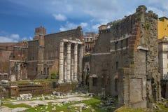 Vista próxima do terraço do templo antigo Fotografia de Stock Royalty Free