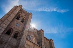 Vista principal da catedral de Avila, Espanha imagem de stock royalty free
