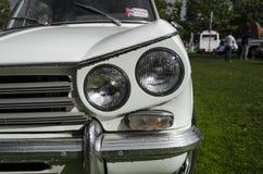 Vista quarta anteriore dell'automobile classica britannica Fotografia Stock
