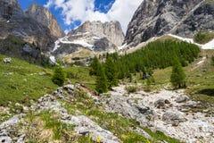 Vista que sorprende del macizo de Marmolada Val Rosalia, dolomías, Italia fotos de archivo libres de regalías