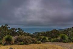Vista que sorprende del mar en parque profundo de la protección de la cala en Australia fotografía de archivo libre de regalías