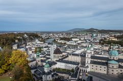 Vista a?rea da catedral de Salzburg, ?ustria fotografia de stock royalty free