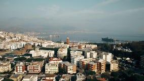 Vista a?rea de Gaeta y de la base naval, Italia almacen de video