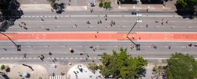 Vista a?rea de la avenida de Paulista en Sao Paulo El domingos se convierte en zona recreativa foto de archivo