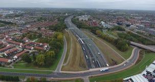 Vista a?rea de la carretera y del t?nel debajo del r?o, Dordrecht, Pa?ses Bajos metrajes