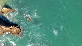 Vista a?rea de ondas de oceano de cima de vídeos de arquivo