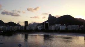 Vista a?rea de Rio de Janeiro, Brasil Tempo do por do sol video estoque