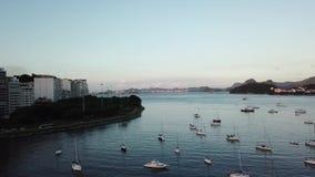 Vista a?rea de Rio de Janeiro, el Brasil Tiempo de la puesta del sol almacen de video