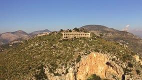 Vista a?rea do templo antigo de Jupiter Anxur em Terracina, It?lia filme