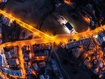 Vista a?rea na cidade na noite, Albufeira, Portugal Ruas iluminadas no por do sol imagem de stock royalty free