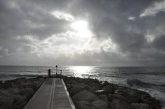 Vista rocciosa del mare Fotografie Stock