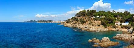 Vista rocciosa Spagna della costa del mare di estate Fotografia Stock
