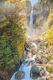 Vista sbalorditiva della cascata di Punchbowl dei diavoli, una delle attrazioni più favorite sul viaggio stradale del passaggio d Immagine Stock