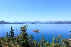 Vista sbalorditiva sopra i lakelands in Bariloche, Argentina Immagini Stock Libere da Diritti