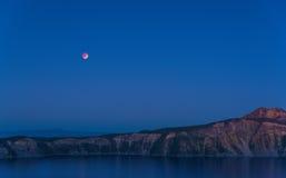 Vista scenica al crepuscolo nel parco nazionale del lago crater, Oregon, S.U.A. Fotografia Stock Libera da Diritti