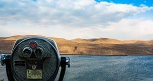 Vista scenica del fiume del deserto che mostra il binocolo a gettone Fotografia Stock