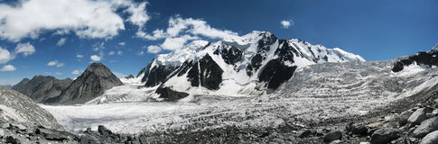 Vista scenica del ghiacciaio delle montagne di Altai Fotografie Stock Libere da Diritti