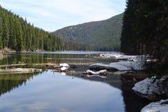 Vista scenica del lago Buntzen immagini stock libere da diritti