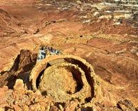 Vista scenica del supporto di Masada nel deserto di Judean vicino al mar Morto, Israele immagine stock