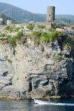 Vista scenica del villaggio variopinto Vernazza, Italia Fotografie Stock