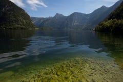 Vista scenica della cartolina del paesino di montagna famoso di Hallstatt Immagini Stock