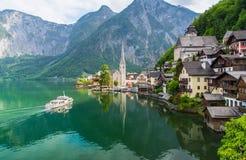 Vista scenica della cartolina del villag famoso della montagna di Hallstatt Fotografia Stock Libera da Diritti