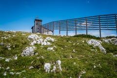 Vista scenica delle montagne delle alpi un il giorno soleggiato Fotografia Stock Libera da Diritti