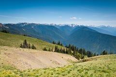 Vista scenica delle montagne e dei ghiacciai di Ridge di uragano Fotografia Stock