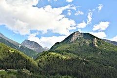 Vista scenica delle montagne svizzere Fotografia Stock Libera da Diritti