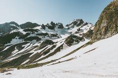 Vista scenica di viaggio nevoso del paesaggio di Rocky Mountains Fotografie Stock Libere da Diritti